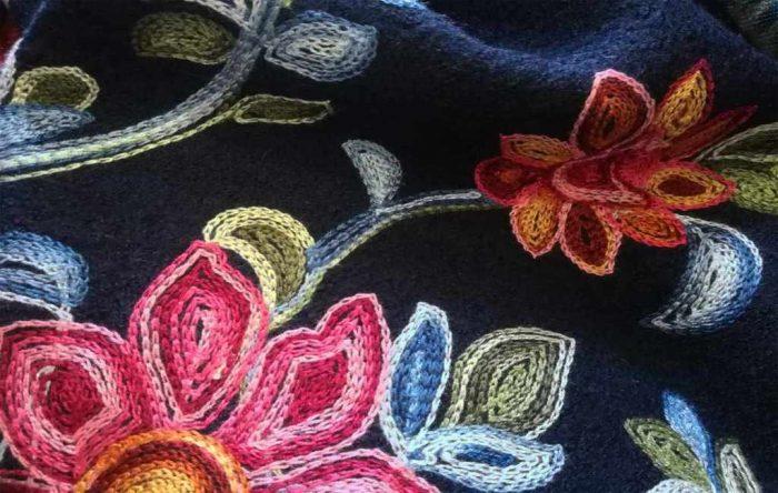 B700_Wol bloem geborduurd_productgalerij_4